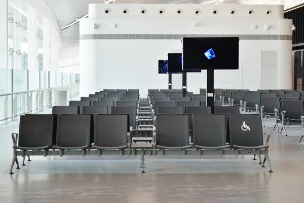 在目前的市场发展,选购机场椅注意哪些